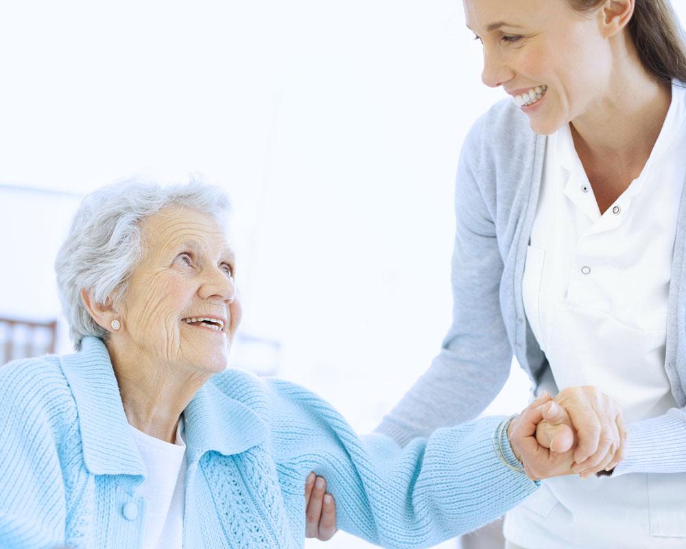 Die Wäscherei Bohnet kümmert sich in Senioren- und Pflegeheimen sowhol um Berufskleidung, als auch um Bewohnerwäsche